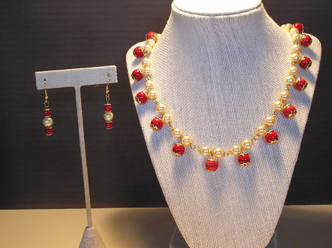 S2-038/CREAM COLORED AND RED BEADED NECKLACE WITH MATCHING EARRINGS