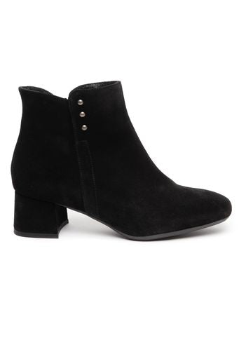 Low heel ankle boot with side detail- black by 'Toni Pons'