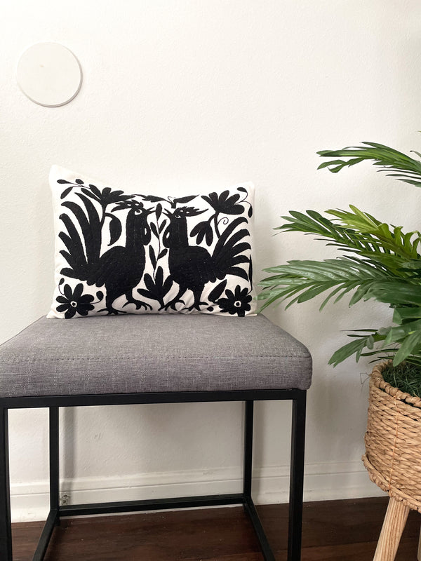 Otomi pillowcase cream/black