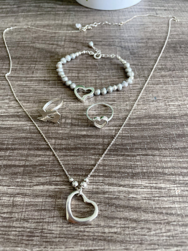 Hollow heart necklace