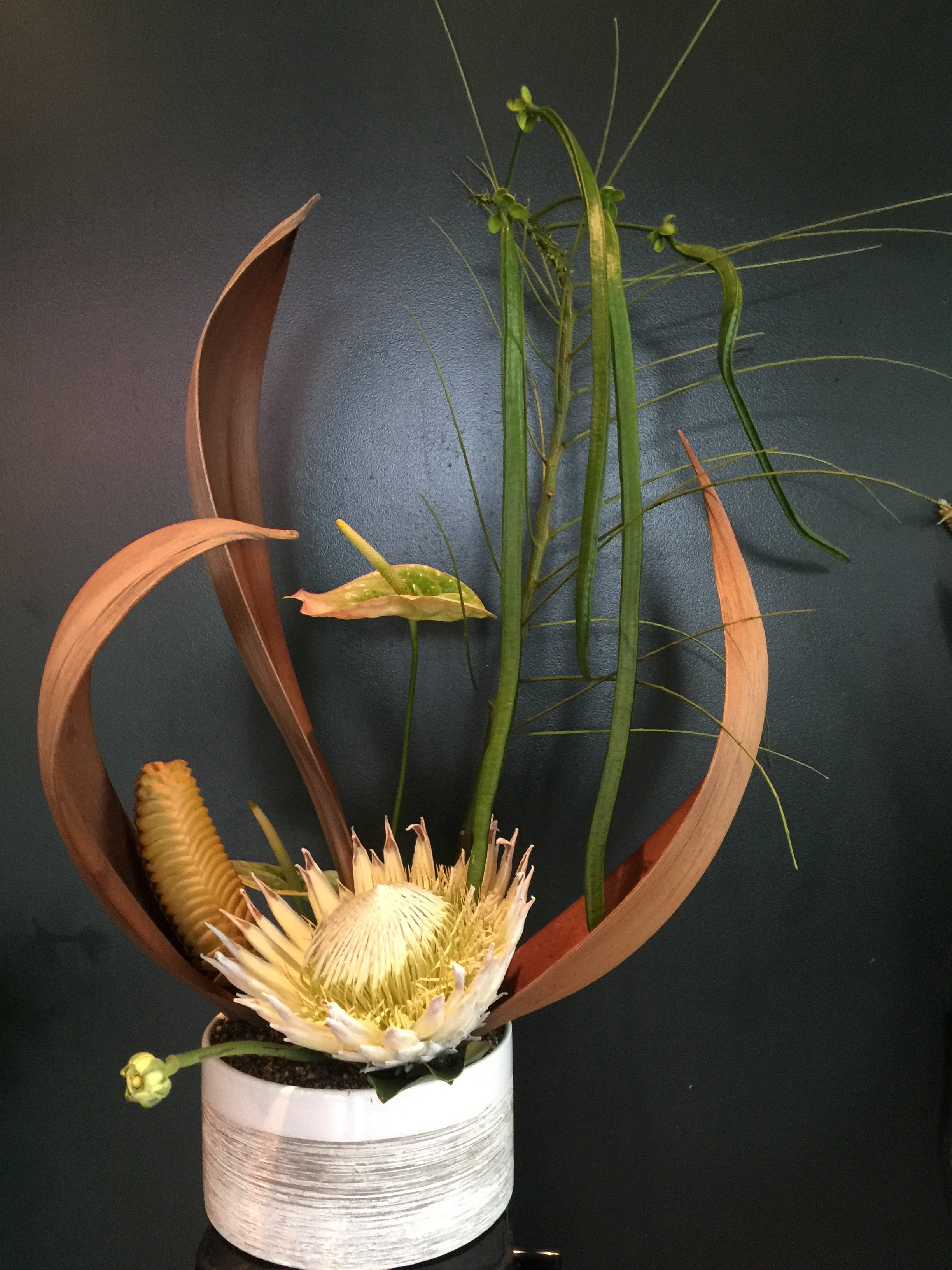 Large (L) Arrangement