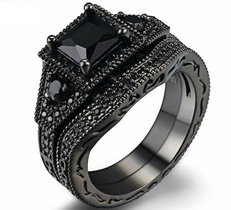 Captivating Princess Cut Black Onyx Wedding Ring Set