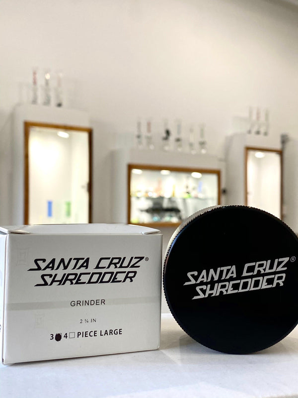 Santa Cruz Shredder- 3 Piece Large Grinder