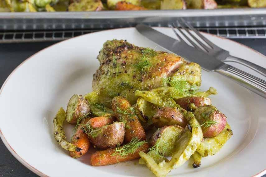 Low FODMAP Chicken Roasted with Fennel, Carrots & Potatoes