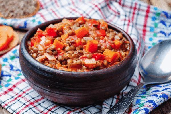 Low FODMAP Chili Recipe - Smokey Tempeh & Lentil