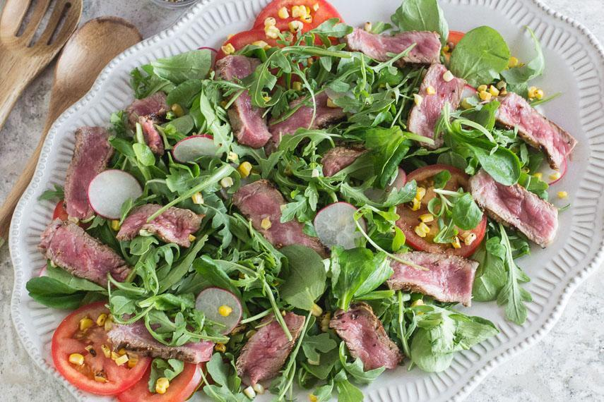 Low FODMAP Steak Salad with Corn & Tomatoes