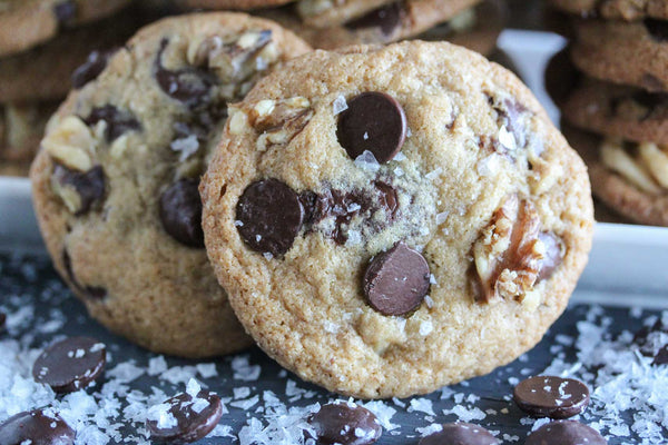 salted-dark-low-fodmap-chocolate-chip-cookies