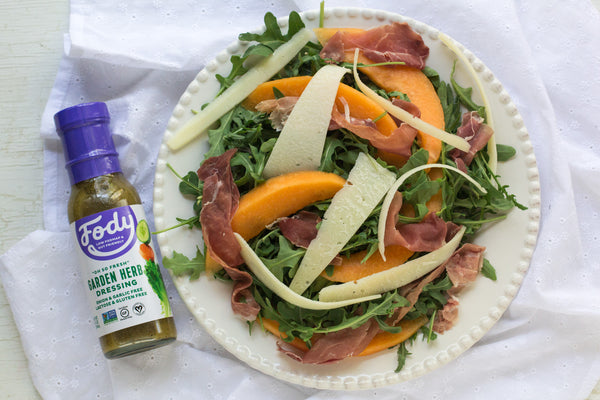 low-fodmap-arugula-prosciutto-melon-salad