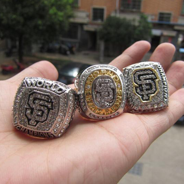 San Francisco Giants - Replica World Series Championship Rings [3 Ring Set]
