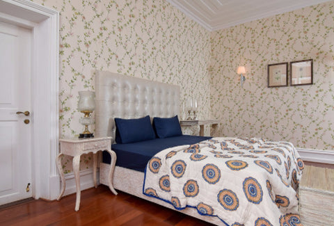 easy ways to make your bedroom look cozy and dreamy amouve