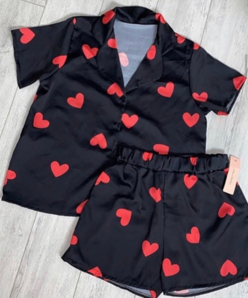 Hearts 2 piece luxury silk  pattered shorts pyjamas - one size - 2 colours black, white with red