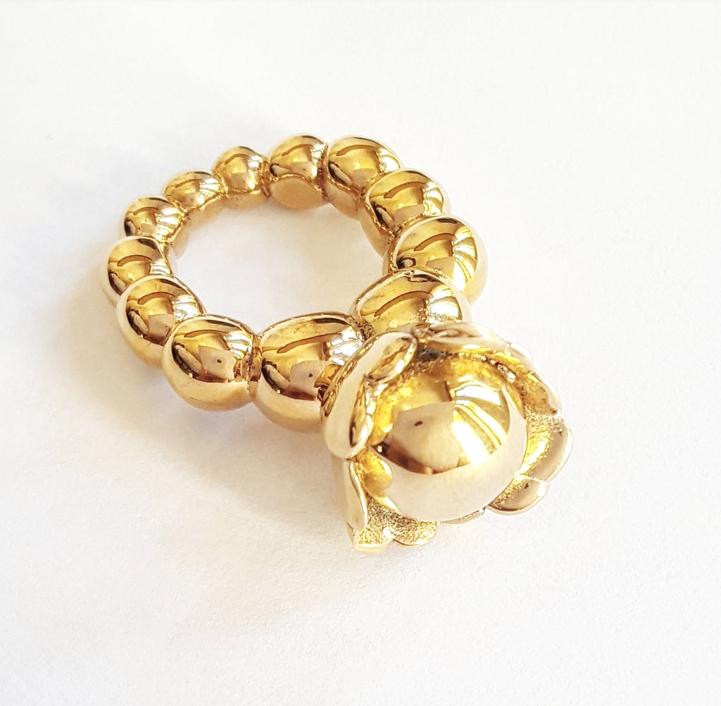 Flower ball ring