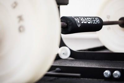 The new BEASTGEAR  professional barbell pad is the solution to squat and hip thrust heavier loads. With more comfort across the neck, shoulders and upper back (or hips and pelvis for hip thrusts and glute bridges).