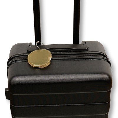 Find your bag with a luggage tag in metallic gold