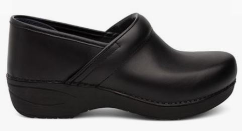 Dansko Women's Pro XP 2.0 Clog (Wide) - Black Leather