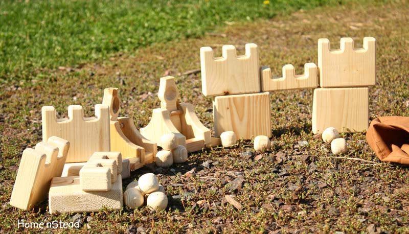 Catapult Launcher and Castles Natural Wooden Game Eco Friendly Play Set - thatfamilyshop.com