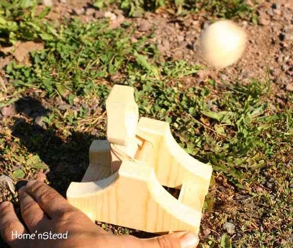 Toy Catapult Launchers Wooden Game - thatfamilyshop.com