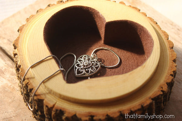Personalized Log Jewelry Box with Felted Heart Hollow, Ring Bearer Pillow Dish with Lid Customization-thatfamilyshop.com