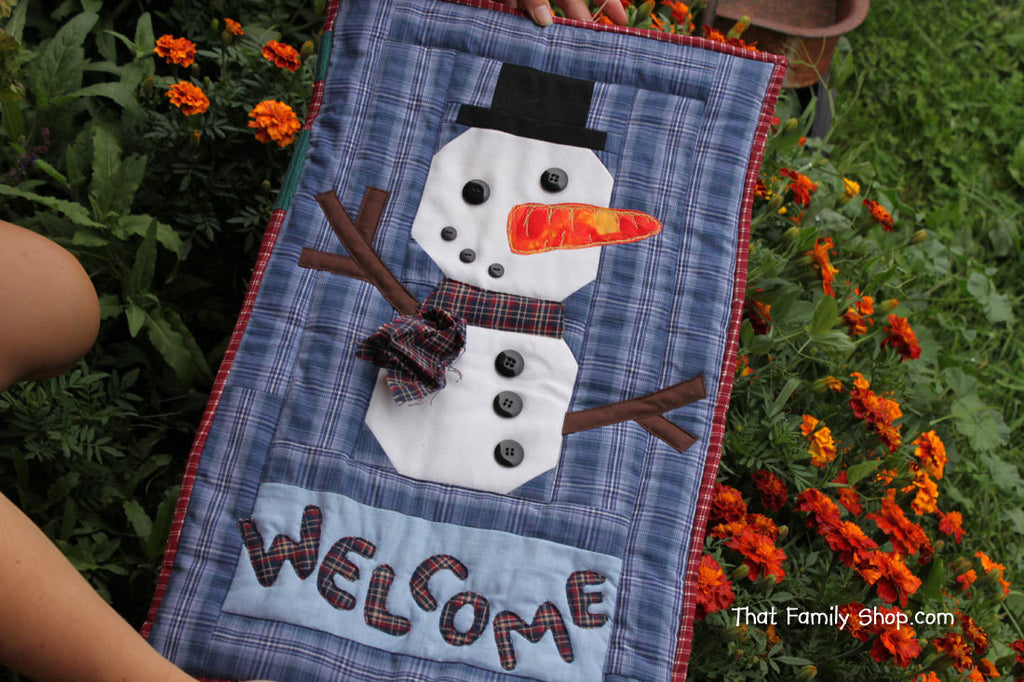 Snowman Welcome Banner Quilted Christmas Decoration-thatfamilyshop.com