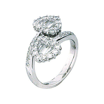 1F0147AWLRD0 18KT White Diamond Ring