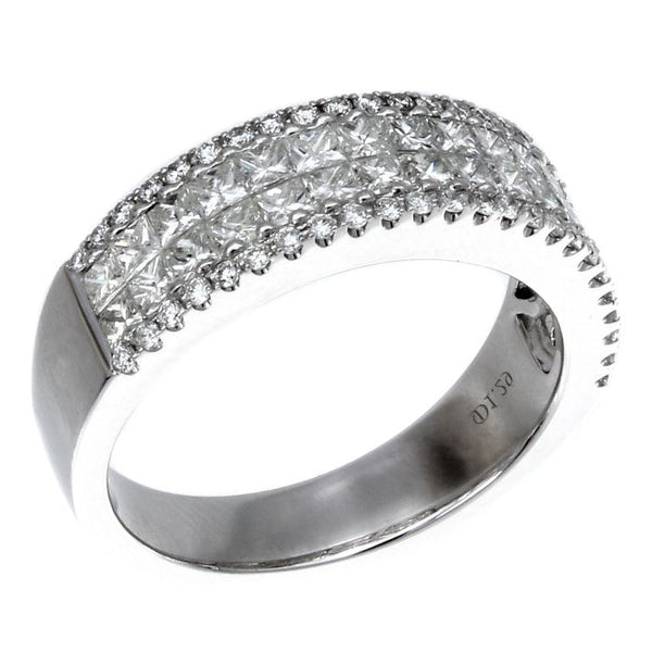 4F06007AWLRD0 18KT White Diamond Ring