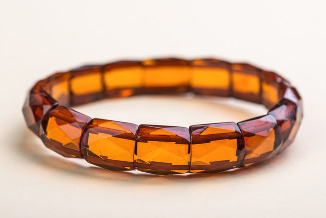 "Baltic amber faceted bracelet ""Umbrella"""