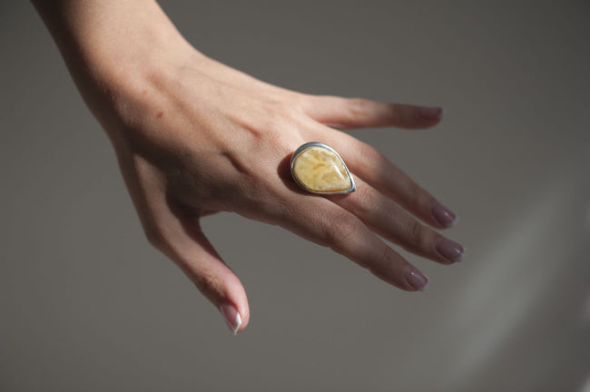 "Sterling silver amber ring ""Jaunty"""