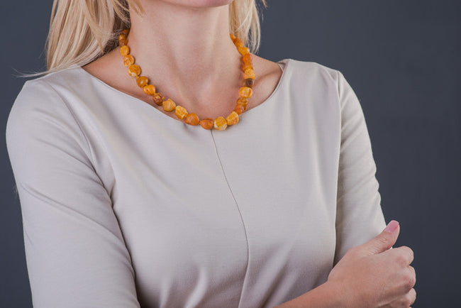 "Raw Baltic Amber Necklace ""Native"""