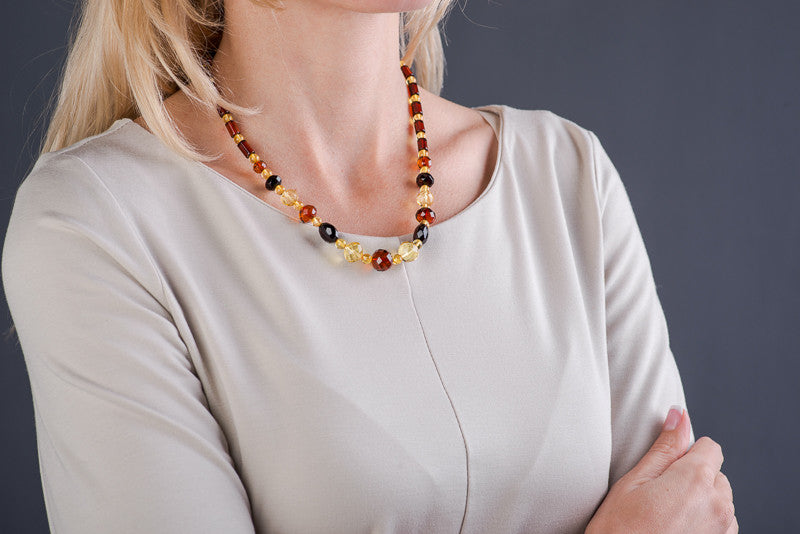 "Polished Beads Baltic Amber Necklace ""Snake"""