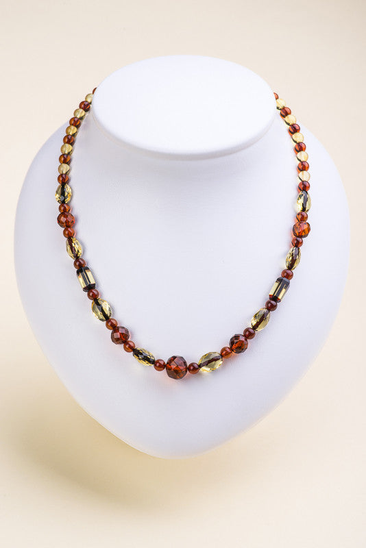"Polished Faceted Beads Baltic Amber Necklace ""Labyrinth"""