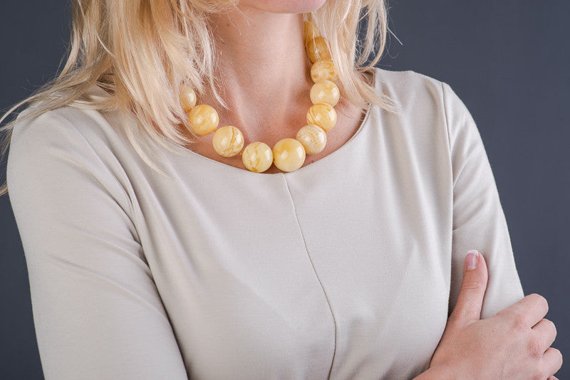"Round Matte Natural Baltic Amber Necklace ""Stargaze"""