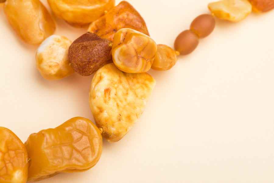 "Raw Baltic Amber Necklace ""Wild"""
