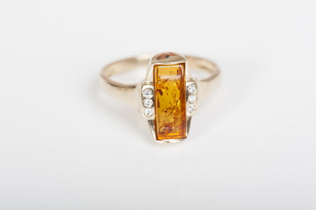 "Baltic amber ring in 14kt yellow gold ""Gentle"" cognac"