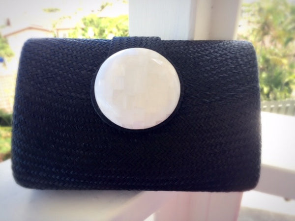 Circle Clutch in Black