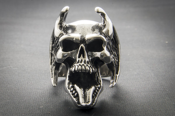 Horned Skull With Tongue Out Ring
