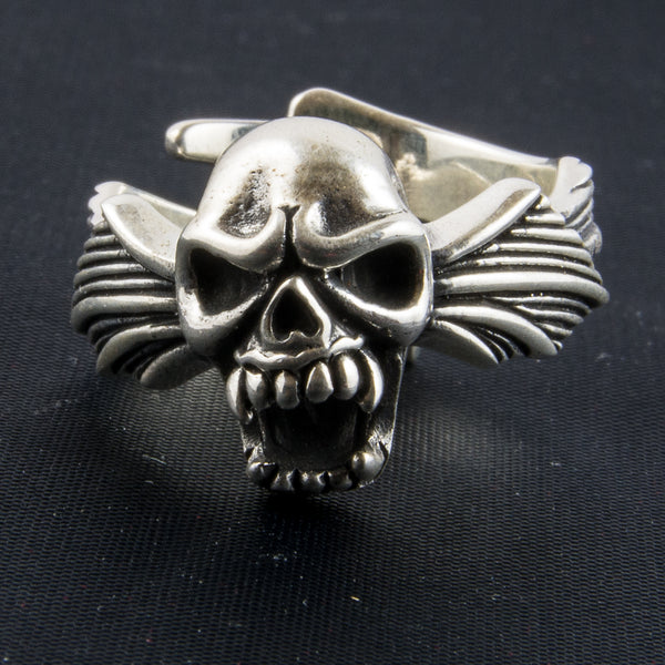 Screaming Skull Ring with Wing Wrap