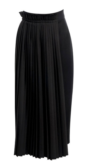 Black Pleat Apron