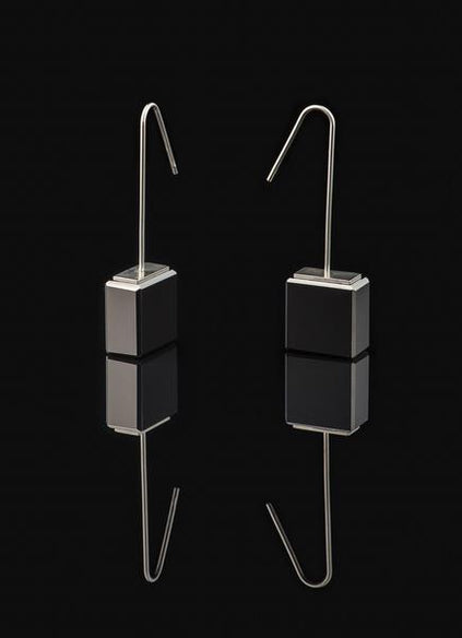 Earrings with long silver gilded hook, black glass and stainless steel coating.