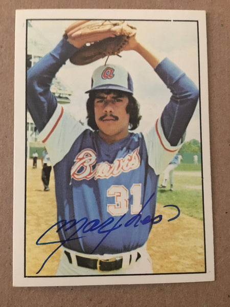 Max Leon Signed 1975 SSPC Baseball Card - Atlanta Braves