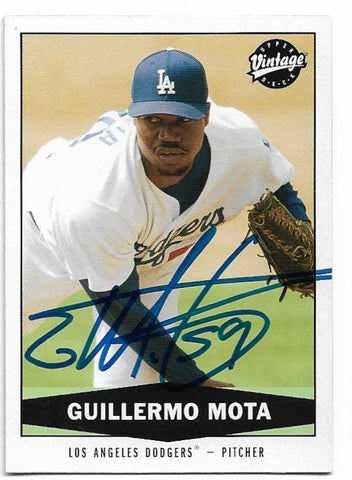 Guillermo Mota Signed 2004 Upper Deck Vintage Baseball Card - Los Angeles Dodgers - PastPros