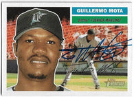 Guillermo Mota Signed 2005 Topps Heritage Baseball Card - Florida Marlins