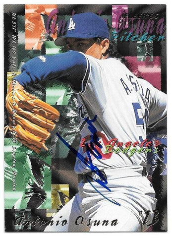 Antonio Osuna Signed 1995 Fleer Baseball Card - Los Angeles Dodgers