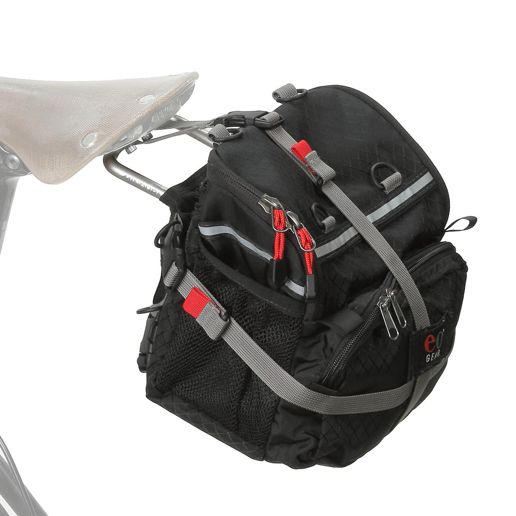 By adding a 2314 Standard Bracket to your saddle, this bag can be converted to a seat bag.