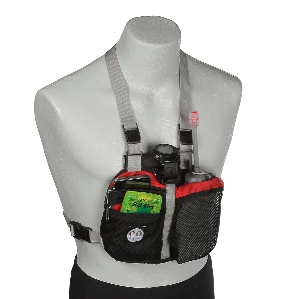 Shown with the Ultimate Direction soft pouch with hose.