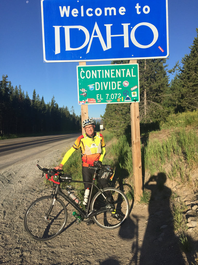 Richard trying out the bag during a 1000K brevet in 2017, near Yellowstone Natl Park.