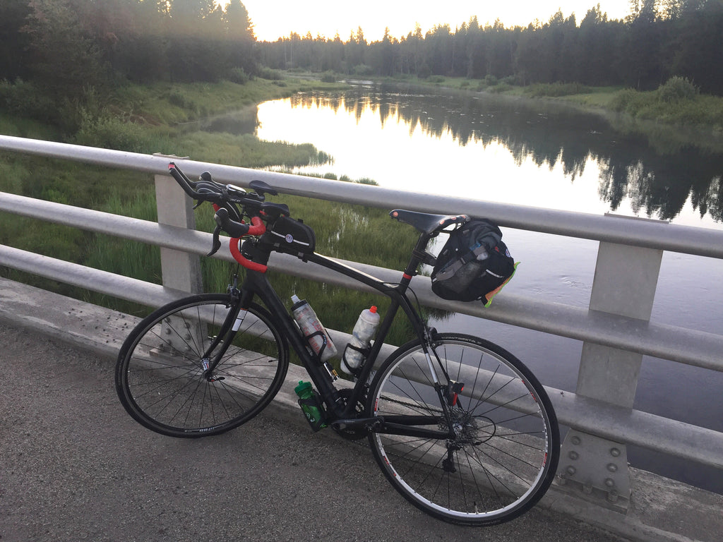Prototype in use during a long brevet near Yellowstone Natl Park (2017).