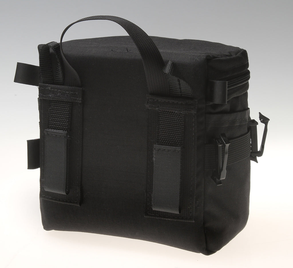 Rear view showing KATS, shoulder strap loops and hand grab strap. Note the pair of Siamese SlikClip buckles on the side—they are for piggy-backing old style Kinesis pouches to the side.