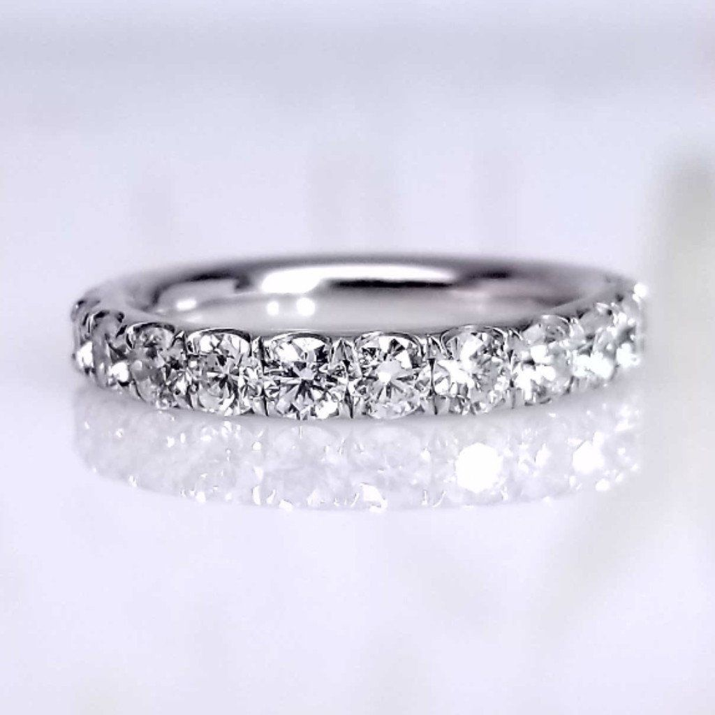 sheen ring diamonds glam two flat cut with princess in diamond three the classic adjoining edge stone band has pretty tacori a product small signature center clean smooth reflective