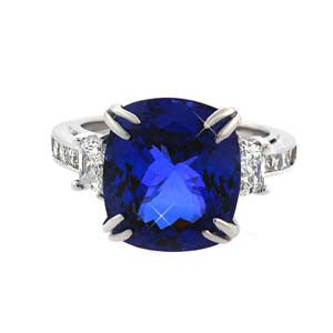 Tanzanite Engagement Ringin 18k White Gold