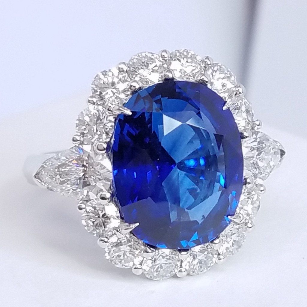 Estate Sapphire And Diamond Ringin Platinum - SEA Wave Diamonds